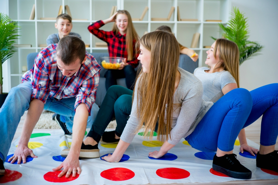 5 Awesome Adult Party Games